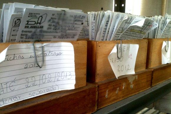Fichas em atraso já somam 900 na biblioteca municipal / Foto: Marcelo Paiva