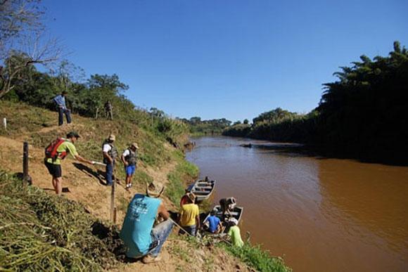 Saída da Expedição 2009 no ribeirão Jequitibá / Foto: Marcelo André