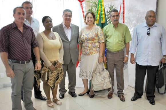 Prefeito e secretário de Saúde deram boas vindas aos novos Médicos / Foto: Marcelo Paiva