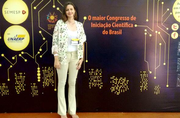 Aluna Gabriela Teixeira Cursino no 15º Conic/ Foto: arquivo pessoal